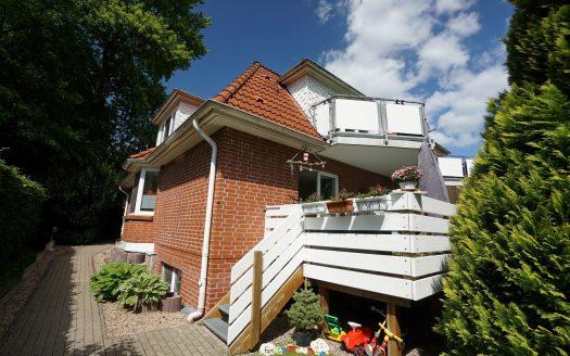 Balkon mit Zugang zum Gemeinschaftsgrundstück